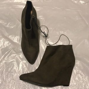 Women's wedge booties